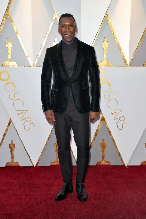 oscars-red-carpet-2905-mahershala-ali-superJumbo-v2
